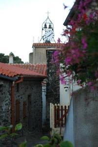 Accommodation in Vira
