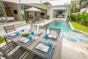 Villa 777 Phuket Private Pool Villa, Ville  Bang Tao Beach - big - 2