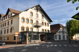 Hotel Goldener Hirsch - Reutte