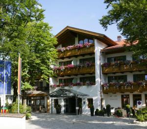 Hotel Maximilian, Hotely  Oberammergau - big - 22