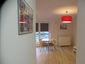 Poznan Black Red apartment