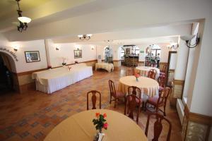 Hotel Ruia, Hotely  Poiana Brasov - big - 61
