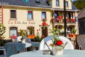 Logis Hôtel Restaurant La Tête Des Faux - Hotel - Le Bonhomme