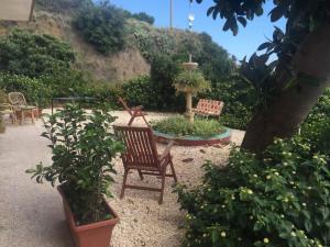Pupi Catania Etna B&B, Bed & Breakfast  Aci Castello - big - 34