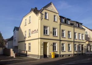 UHU Gästehaus Superior - Hummelsheim