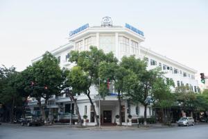 Hoa Binh Hotel, Отели  Ханой - big - 51