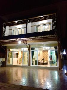Apinsaya House - Ban Pa Sang