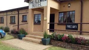 The Old Mill Hotel, Hotels  Machadodorp - big - 27