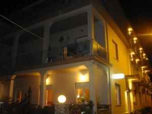 Hostels e Albergues - Hotel Karagianni
