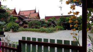 Ruen Chao Khun - San Kamphaeng