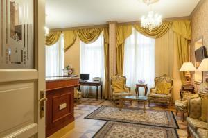 Hotel Raffaello, Hotely  Praha - big - 14
