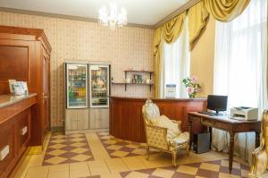 Hotel Raffaello, Hotely  Praha - big - 20