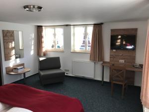 Gasthaus Hotel zum Kreuz - Bärenthal