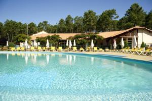 Location gîte, chambres d'hotes Village Vacances Le Lac Marin dans le département Landes 40