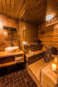 Arctic TreeHouse Hotel (22 of 25)
