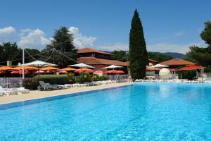 Location gîte, chambres d'hotes Village Vacances La Manne dans le département Var 83