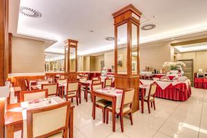 Augusta Lucilla Palace, Hotels  Rome - big - 76