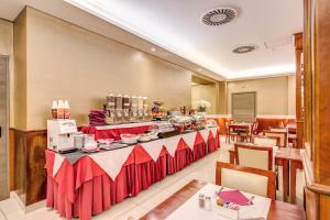 Augusta Lucilla Palace, Hotels  Rome - big - 75