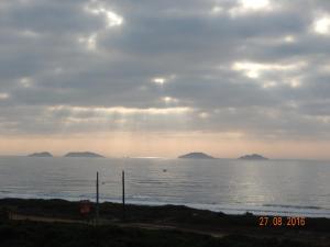 APARTAMENTO 3 ANDAR, FRENTE PARA O MAR, Ferienwohnungen  Ponta do Rei - big - 13