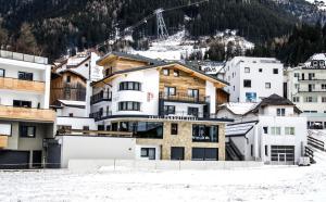 Garni Persutt - Hotel - Ischgl