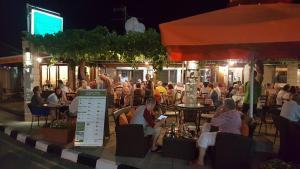 Sunset Villa11, Vily  Mandria - big - 38