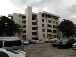 Apt in New Kingston - New Kingston
