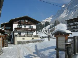 Haus Bergblick, Ferienwohnungen  Ehrwald - big - 26