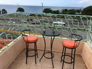 Spacious Oceanfront Condo Santo Domingo
