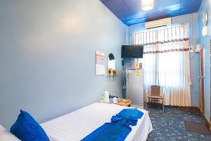 Cinderella Hotel, Отели  Моламьяйн - big - 26