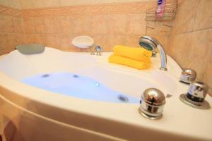 Ta' Bejza Holiday Home with Private Pool, Ferienhäuser  Xewkija - big - 57