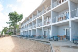 Grand Beach Resort Hotel - Creswell