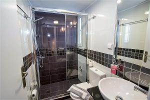 Semiramis Guesthouse, Hotely  Adamas - big - 71