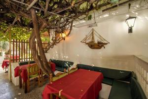 Semiramis Guesthouse, Hotely  Adamas - big - 79