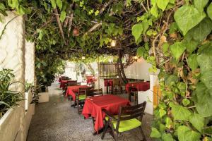 Semiramis Guesthouse, Hotely  Adamas - big - 78