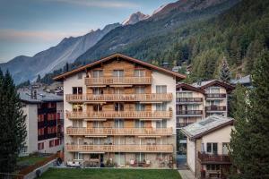 Matterhorngruss Apartments, Ferienwohnungen  Zermatt - big - 1