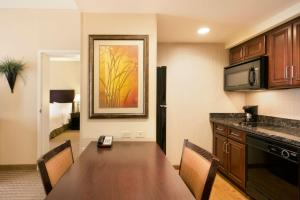 Homewood Suites New Brighton - Hotel - Roseville
