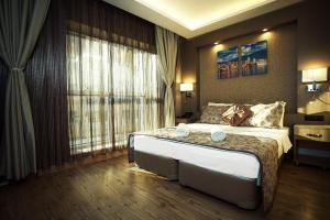 Отель Hotel Iz, Измир