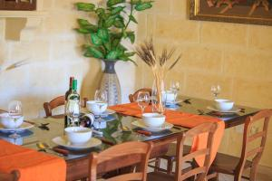 Ta Tumasa Farmhouse, Отели типа «постель и завтрак»  Надур - big - 89