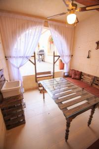 Ta Tumasa Farmhouse, Отели типа «постель и завтрак»  Надур - big - 76