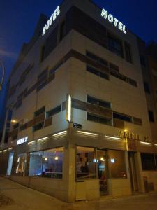 Golden 21, Vendégházak  Madrid - big - 15