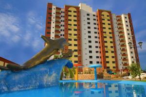 Golden Dolphin Supreme