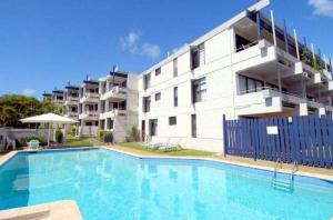 Warroo 3 - 2 BDRM Apt 100m to Alex Surf Beach