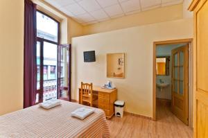 Hostal Kasa, Guest houses  Las Palmas de Gran Canaria - big - 19