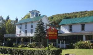 Colonial Inn - Hotel - Pine Hill