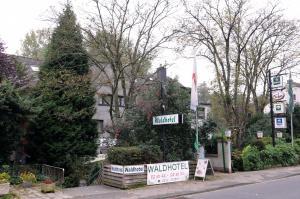 Waldhotel Unterbach - Dorp