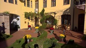 Guesthouse Maksimilian, Guest houses  Osijek - big - 64
