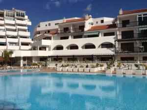 Apartment next to 3 excellent Beaches Costa Adeje, Adeje