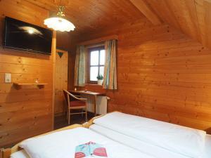 Haus Helene im Öko-Feriendorf, Holiday homes  Schlierbach - big - 7