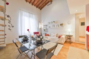 Adelaide Halldis Apartment - AbcAlberghi.com