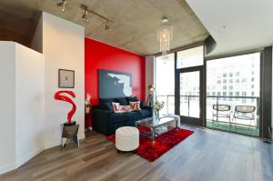 Popular DTLA Designer Suite With Massive Views, Apartmány  Los Angeles - big - 1